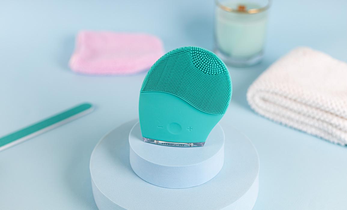 Dermofuture Technology szczoteczka soniczna do oczyszczania twarzy zielona
