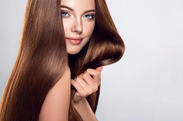 Lśniące włosy po zabiegu laminowania