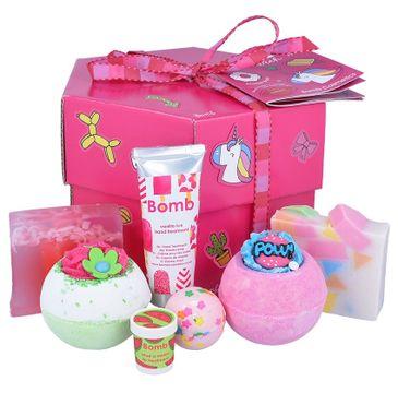 Bomb Cosmetics – Stick with Me Gift Box zestaw kosmetyków Musująca Kula do kąpieli 3szt + Mydło Glicerynowe 2szt + Krem do rąk + Balsam do ust 1szt (1 szt.)