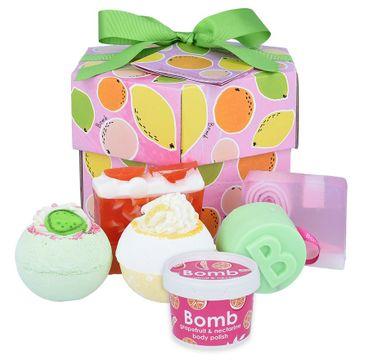 Bomb Cosmetics – Fruit Basket Handmade Gift Box zestaw kosmetyków Musująca Kula do kąpieli 2szt + Mydło Glicerynowe 2szt + Mini Scrub 120ml + Żel pod prysznic w kostce 120g (1 szt.)