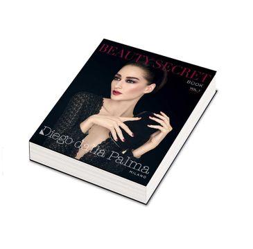 Diego Dalla Palma Beauty Secret Book Vol.1 zestaw Purple Eyeshadow Palette 4x1.6g + Ciglione Lash Booster Mascara Black 11ml + Eye Pencil 01 Black 1.1g + Matt Lipstick nr 162 3.4g + Smalto Mauve Me + kosmetyczka