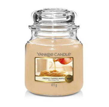 Yankee Candle Świeca zapachowa średni słój Freshly Tapped Maple (411 g)