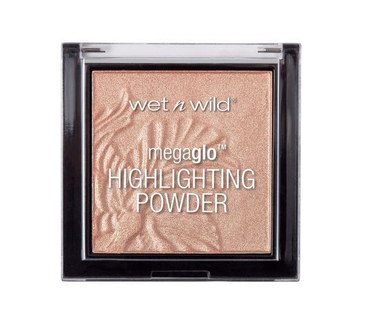 Wet n Wild Megaglo Highlighting Powder puder rozświetlający Precious Petals 5.4g